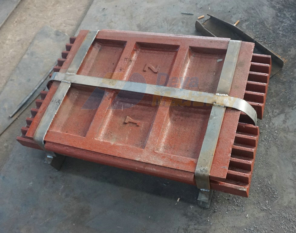 Wearing jaw plate for Jaw crusher PE 400x600