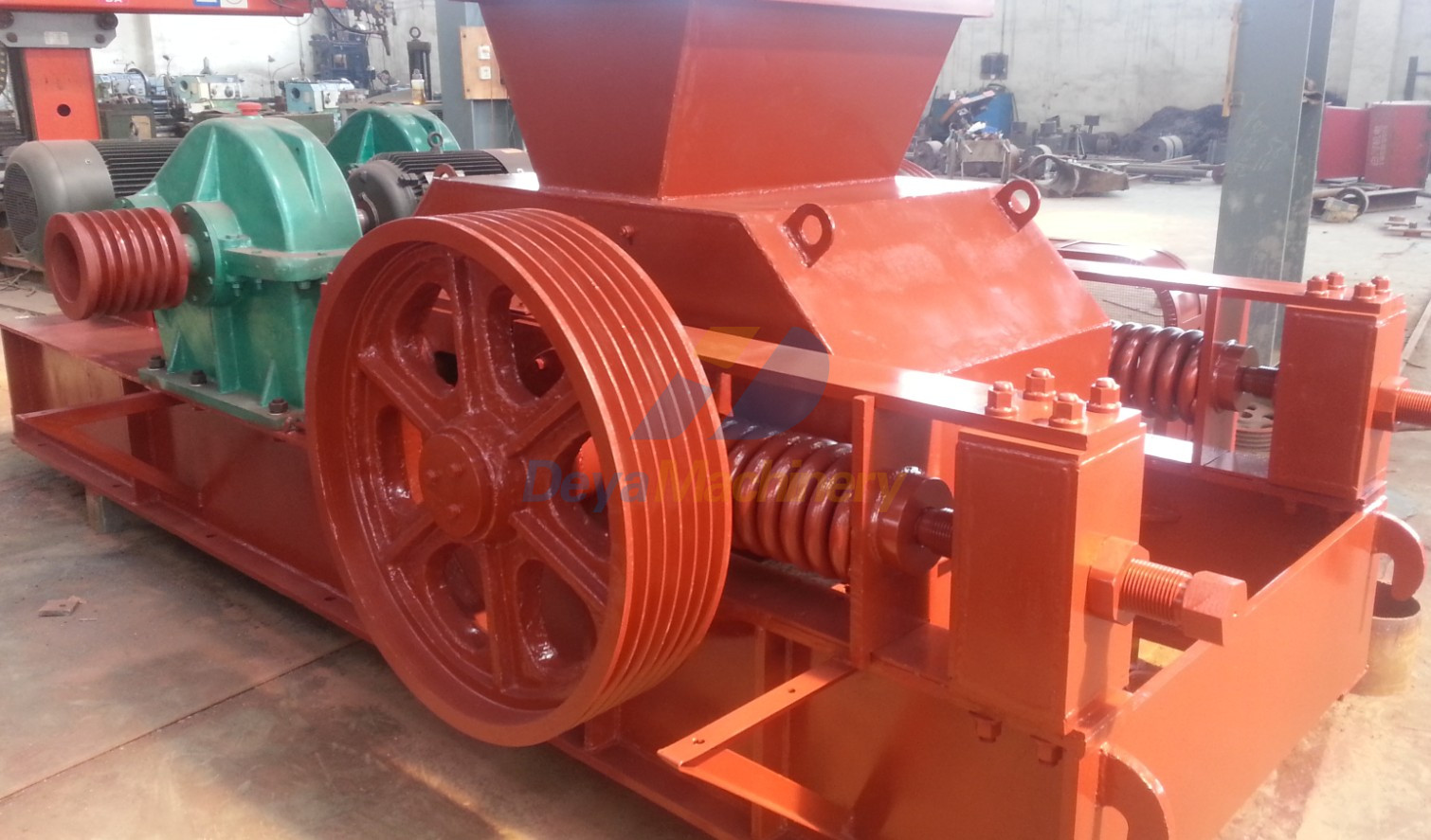 Coat Paiting of Double Roller Crusher